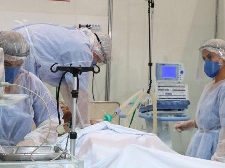 """Entidades fazem """"veemente repúdio"""" a Bolsonaro por incitar invasão a hospitais"""
