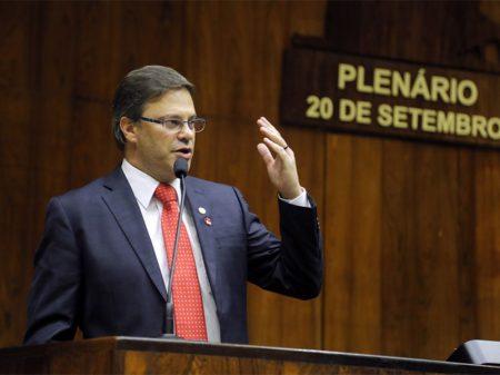 """""""Não realizar as eleições em 2020 seria ruim para democracia"""", diz Juliano Roso"""