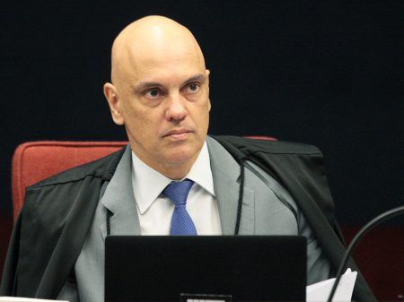 "Moraes aponta ""abusos e crimes"" no financiamento dos atos antidemocráticos"