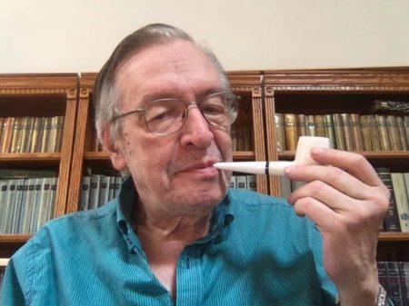 Olavo de Carvalho berra, xinga Bolsonaro e fatura mais uma grana