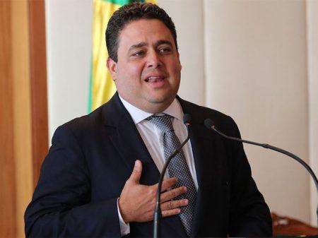 """OAB rechaça tese golpista do """"Poder Moderador"""""""