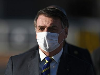 """Bolsonaro ironiza as milhares de mortes: """"é o destino de todo mundo"""""""