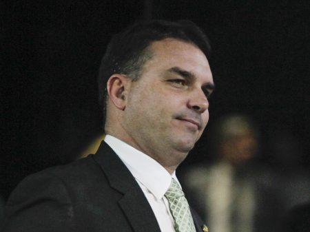 Ex-advogado de Sérgio Cabral é contratado por Flávio Bolsonaro
