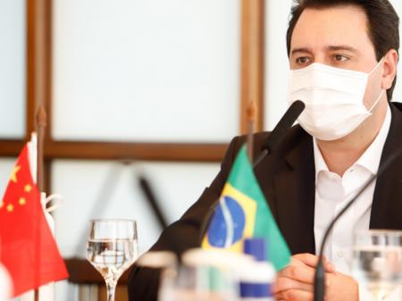 Paraná discute parcerias com Rússia e China para testar vacinas contra Covid-19