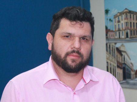 Blogueiro foge de assumir suas ações golpistas e culpa  'infiltrados' por ataques ao STF