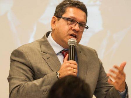 """""""Reforma"""" de Guedes vai gerar quebradeira e desemprego, diz empresário"""