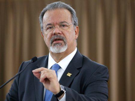 """""""Governo desqualifica nossas Forças Armadas ao propor armar a população"""", diz Jungmann"""