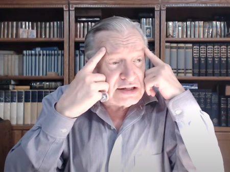 """Olavo agride generais do Exército Brasileiro: """"são todos traidores, sem exceção"""""""