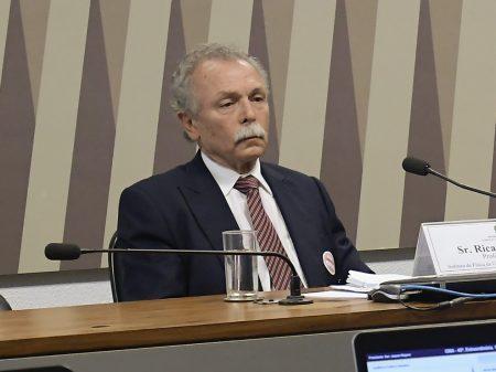 Se o governo quer ocultar dados do Inpe com a demissão, fracassou, diz Galvão