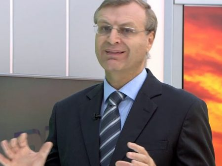 Bolsonaristas atacam a Sociedade Brasileira de Infectologia por rejeitar hidroxicloroquina