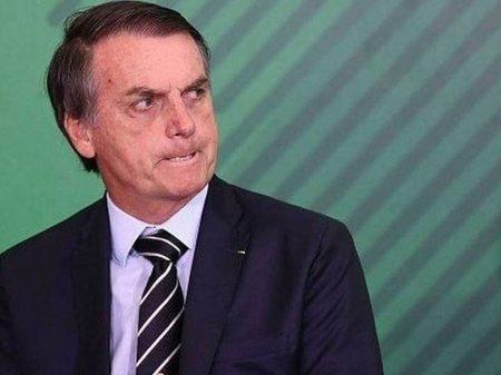 Bolsonaro ameaça repórter que lhe perguntou sobre Queiroz