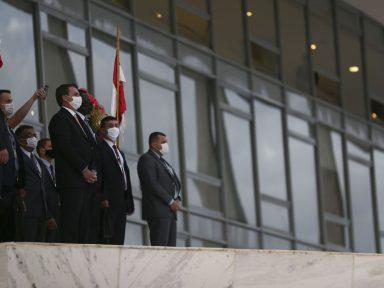 Jorge Oliveira é o 8º ministro com Covid; 178 servidores do Palácio do Planalto foram infectados