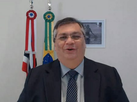 'Há uma inércia no governo federal em enfrentar o drama do desemprego', diz Dino