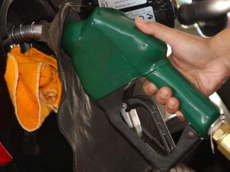 Governo aumenta gasolina e diesel nas refinarias