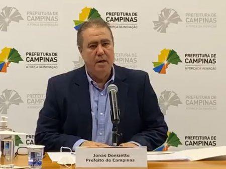 Entidade repudia Bolsonaro por ligar mortes por Covid a prefeitos