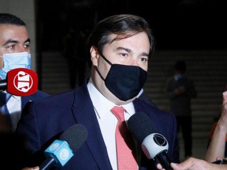 Maia critica Bolsonaro por ameaçar repórter: 'liberdade de imprensa é inegociável'