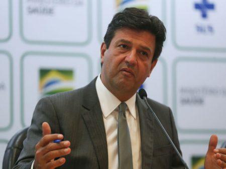 'Bolsonaro levou o brasileiro para um desfiladeiro e pessoas morreram', diz Mandetta
