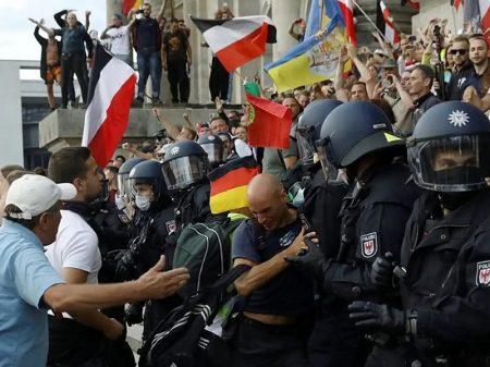 Neonazis negacionistas da Covid tentam invadir parlamento alemão e são detidos