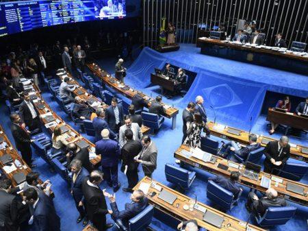 Senadores vão ao STF contra reeleição dos presidentes da Câmara e do Senado