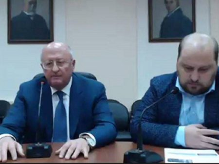 Vacina russa inicia teste com 40 mil pessoas, informa Instituto Gamaleya