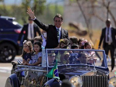 Entidade denuncia Bolsonaro no Conselho Tutelar por colocar crianças em risco