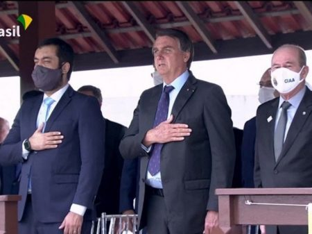 """Bolsonaro é chamado de """"traidor"""" por militares indignados com reforma da Previdência"""