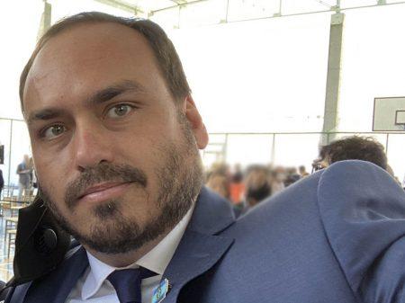 Ex-assessor de Carlos Bolsonaro sacava todo o salário em espécie, mostra quebra de sigilo