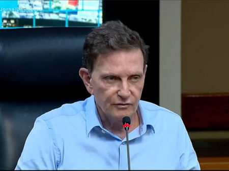 Polícia do Rio faz busca na Prefeitura, na casa e apreende celular de Crivella