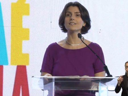 """Manuela é confirmada em convenção: """"derrotaremos o autoritarismo de Bolsonaro"""""""