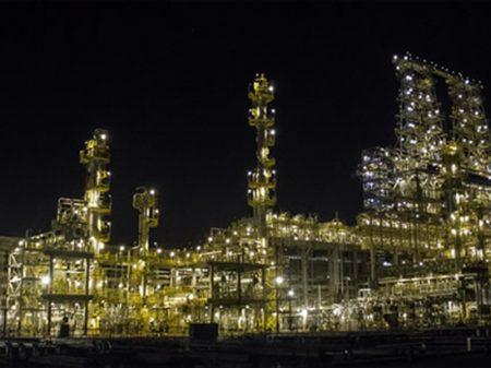 Direção da Petrobrás segue leiloando refinarias