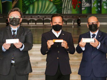 Testes com 50 mil chineses comprovam a segurança da vacina CoronaVac