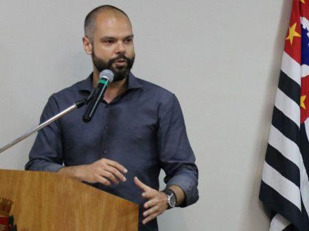 DEM faz convenção e decide apoiar a reeleição de Bruno Covas