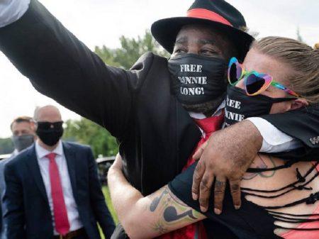 Depois de 44 anos de cárcere, negro inocente é libertado nos EUA
