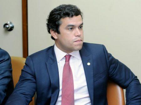 """Para deputado do PSDB, isenção de igrejas não pode ser feita com """"jabuti ou remendo"""""""