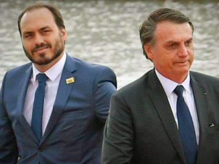 Bolsonaro faz doação ilegal para a campanha do seu filho Carlos
