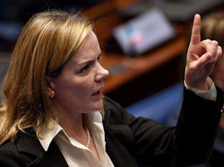 Presidente do PT exige que Ciro peça desculpas públicas a Lula e ao partido