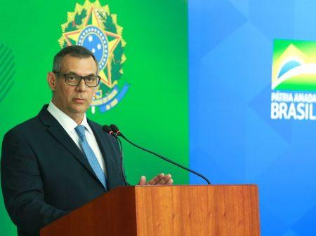 Após fritura, Bolsonaro exonera Rêgo Barros e não o coloca em outro cargo