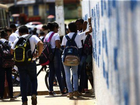 Câmara retira R$ 1,4 bi da Educação