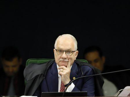 Fachin nega recurso de Lula para sustar ação do triplex em análise no STJ