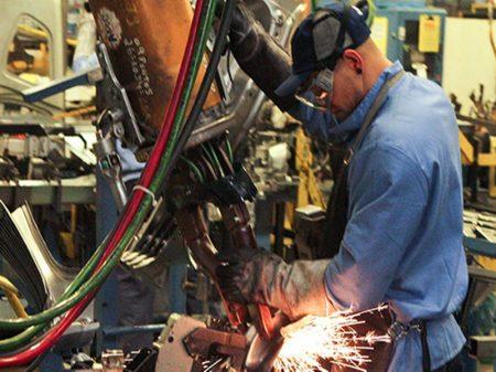 Produção industrial cai 7,2% no acumulado do ano