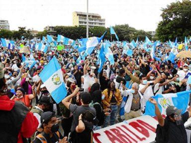 Levante na Guatemala barra cortes do governo na saúde e educação