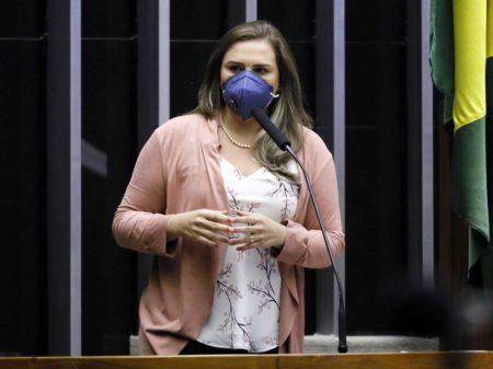 Juiz notifica Marília Arraes em ação por  improbidade  no caso das assessoras fantasmas