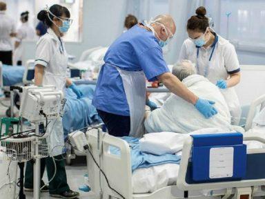 Covid volta com força na Inglaterra e França que tem um hospitalizado a cada 30 segundos