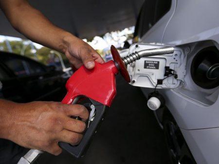 Preço da gasolina sobe 5 vezes em outubro
