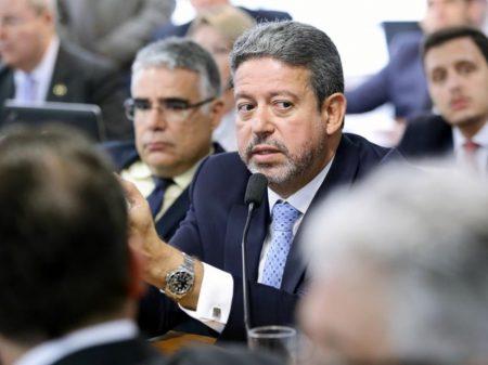 MPF denunciou Arthur Lira, aliado de Bolsonaro, por esquema de rachadinha