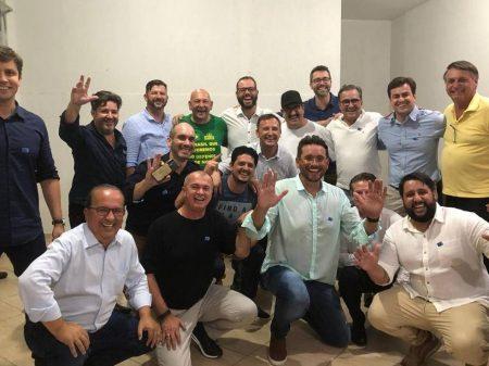 Bolsonaro faz festança em Santa Catarina com dinheiro público e afronta o STF