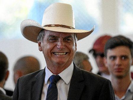 """Bolsonaro, em seu negacionismo doentio:  pandemia """"foi fabricada"""""""