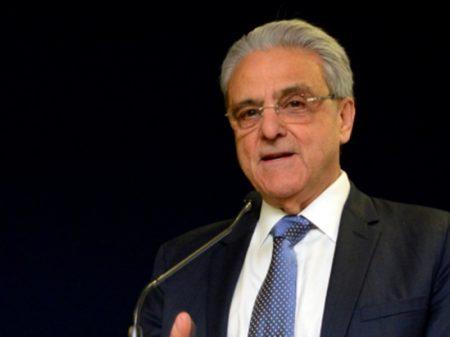Se depender do presidente do Ipea, Brasil só exporta pau-brasil, afirma presidente da CNI