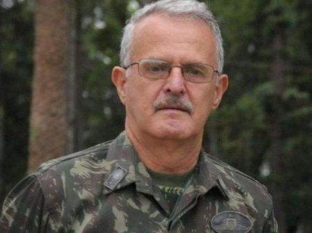 Bolsonaro afronta Exército ao fazer ironia com a morte do general Antônio Miotto