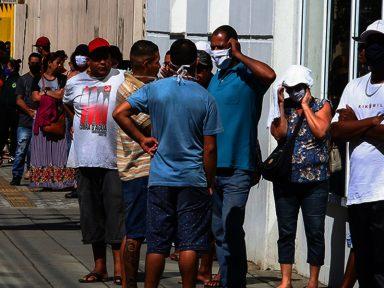 2 milhões de brasileiros são cortados do auxílio